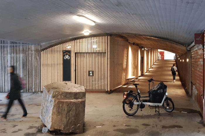 Sykkelhotell på Grorud. Foto: Kristian Refshal-Vea