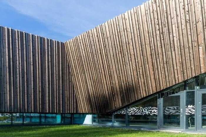 Holmen svømmehall - fasade Foto Tove Lauluten