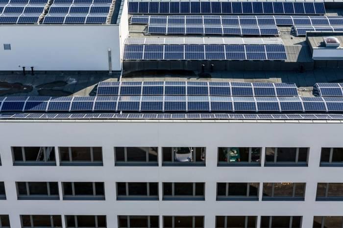 Økern sykehjem solceller på tak foto Tove Lauluten